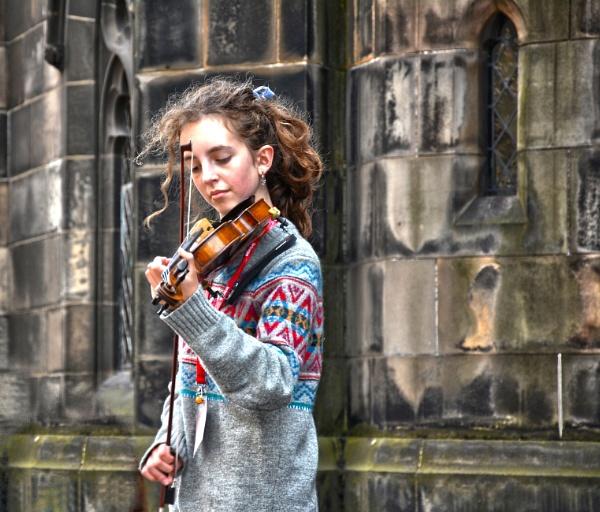 Edinburgh Fringe Festival Performer by wulsy