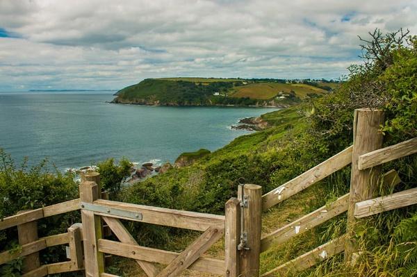 Cornish coastal path by lez68
