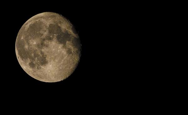 moon by feen96