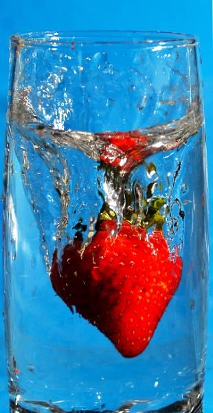 Strawberry Splash by fotocraft