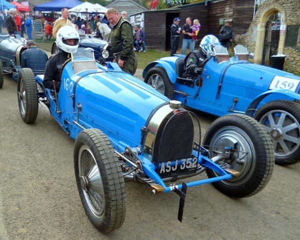 Bugatti and engine. by brandish