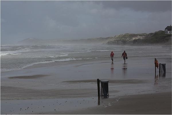A stroll on the beach by saltireblue