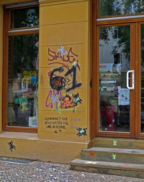 satire zone française Berlin by EssexBienen