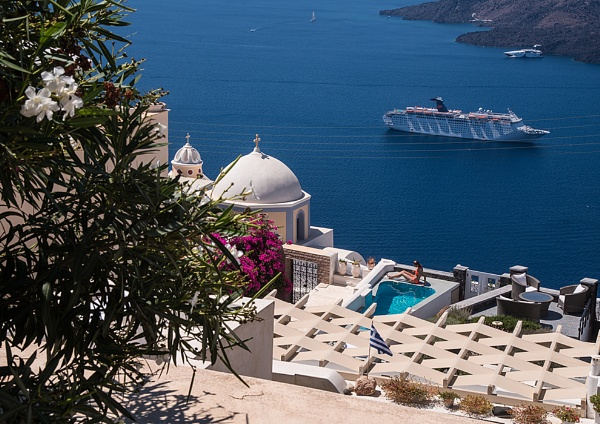 The Glamour of Santorini by iancrowson