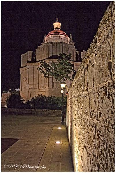 Church by Night by daddydingle