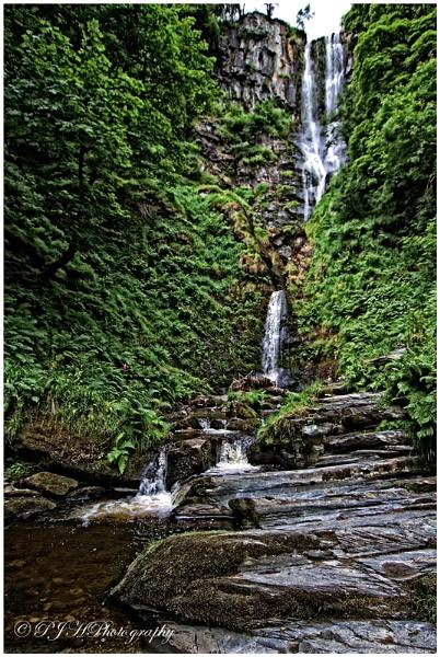 Waterfall by daddydingle
