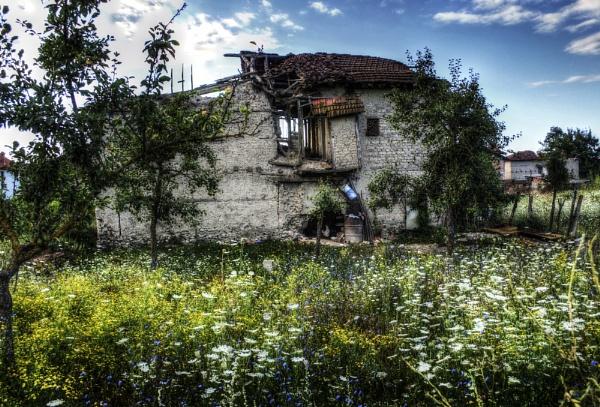 old house by darkocv