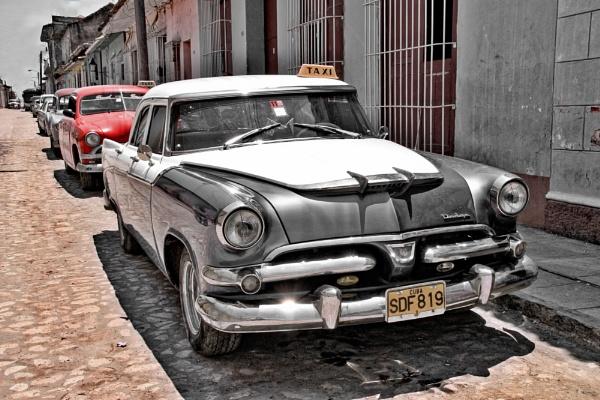 Classic cars in Trinidad, Cuba by Simon_Marlow