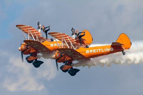 Breitling Wingwalkers by s2005b
