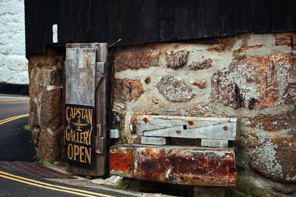ye olde tudor bench by estonian