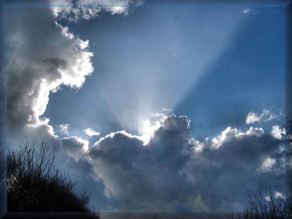 Sun Rays by alancharlton