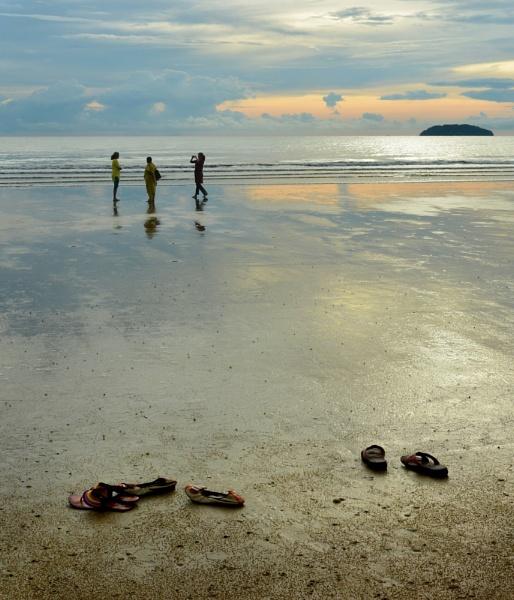 Borneo Sunset by tonyng