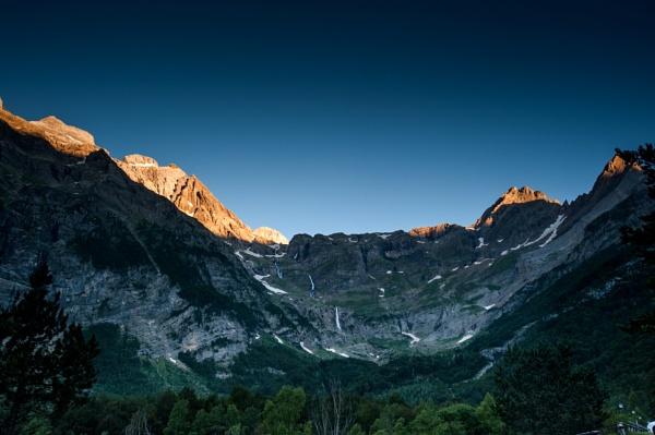 First light, Bielsa (Pyrennees) by cisco4611
