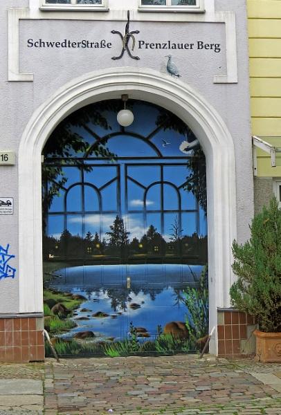 moonlite doorway by EssexBienen
