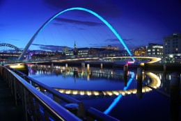 blue millennium bridge