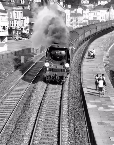 34067 \'Tangmere\' racing towards Kennaway Tunnel by Hamlin