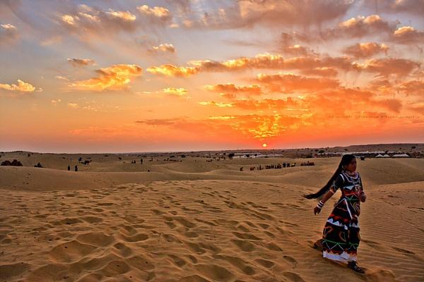 Sunset over Sam Sand dunes by Dead_habits