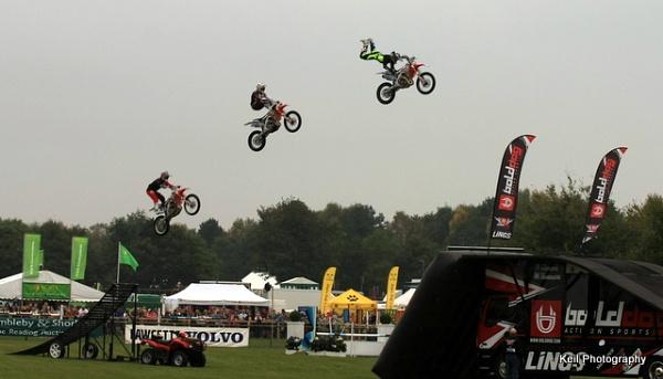 Stunt Team by speybay
