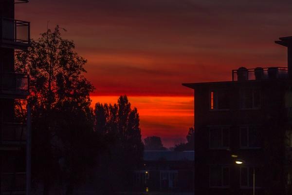 Sunrise, (sunset) by kuipje