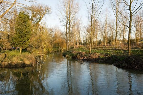 River Blackwater at Grey\'s Mill by NevJB