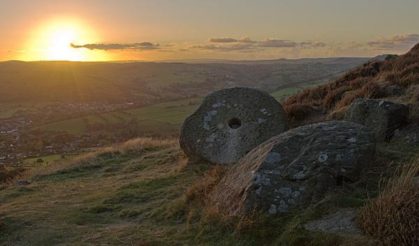 Curbar sunset by Gavin_Duxbury
