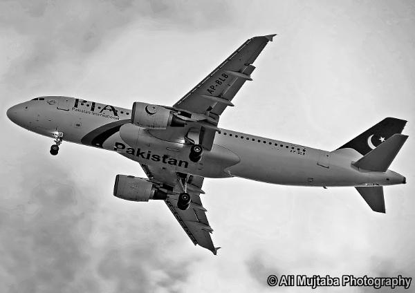 PIA A320-200 by ali2128
