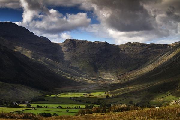 Langdale Valley by danbrann