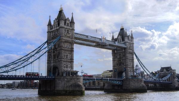 Tower Bridge by david1000