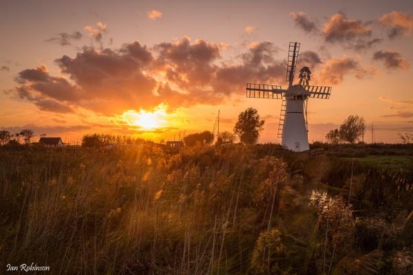 Thurne Mill by ianrobinson