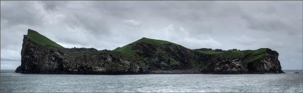 Elliðaey-in-Westman-Islands by scragend
