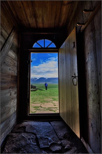 Glaumbaer Doorway by scragend
