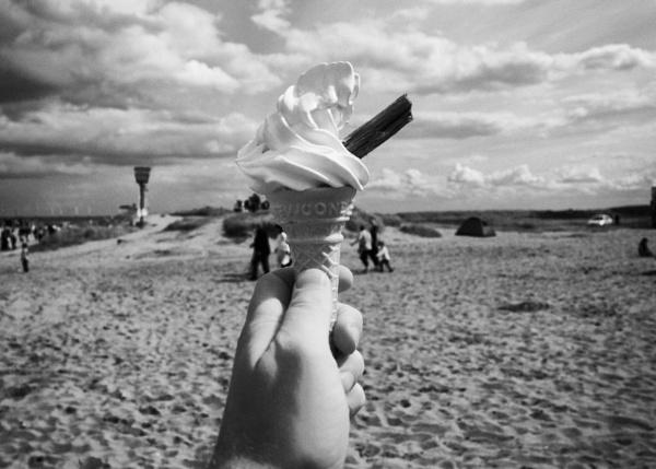 Summer in Monotone by sadmafioso