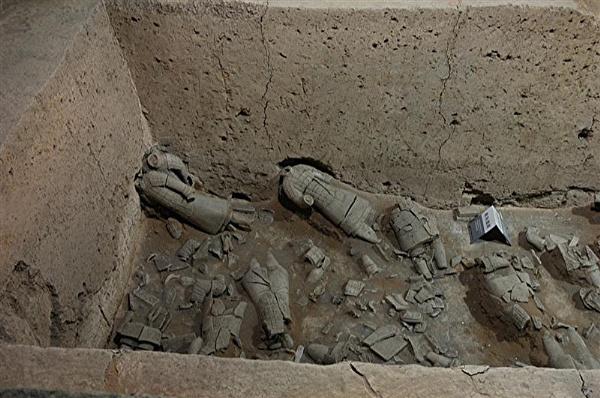 terra  cotta warriors   China by realspeed