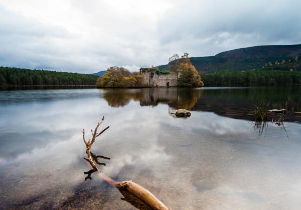 Loch an Eilean by cisco4611