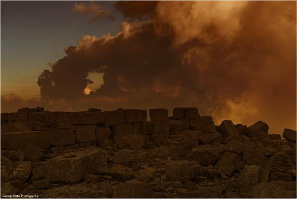 Zeus\'s mountain by GeorgePlatis