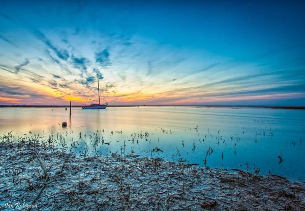 Lone Sailer by ianrobinson