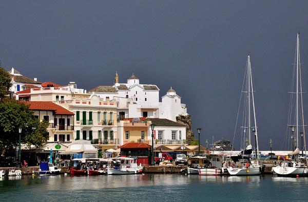 Skopelos Harbour by Rapido57
