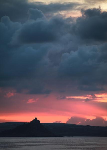 Stormy Dawn by haydntaylor