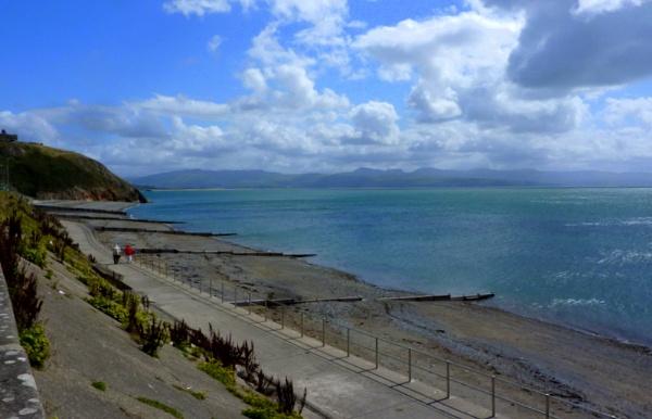 Criccieth beach by netta1234