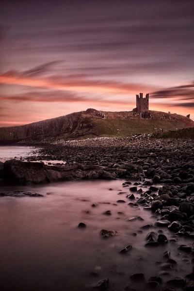 Dunstanburgh Castle by stevewlb