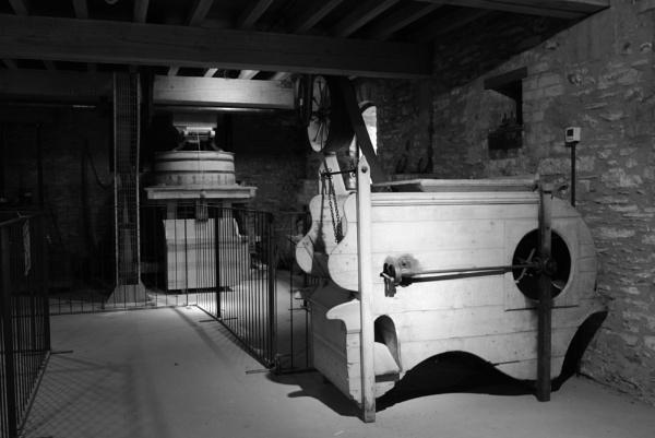 winnowing machine hestercombe by roebuck1944