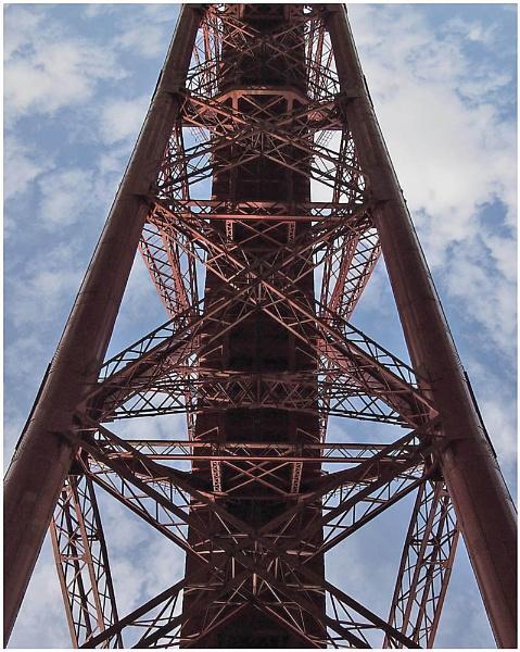 Under the bridge. by mikbee