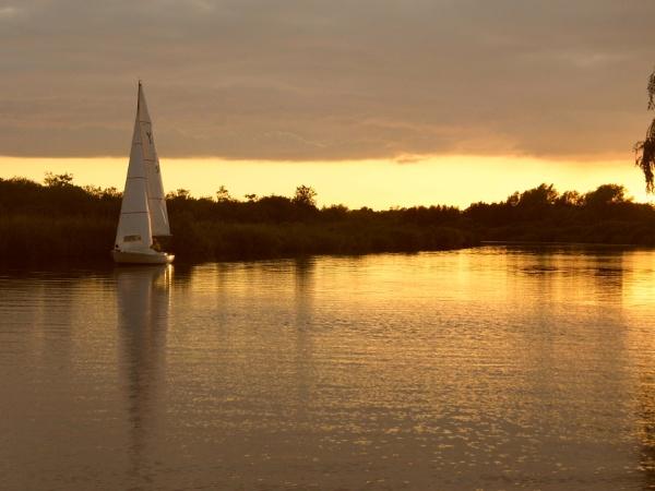 Norfolk Broads sunset by Bluemoon97