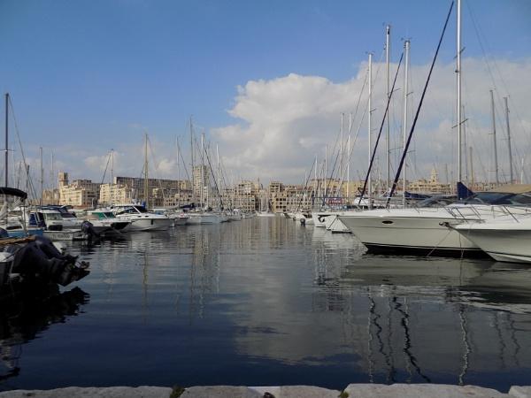 Marseille by Daphnelectra