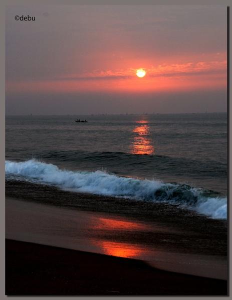 Sunrise at Puri Sea Beach (India)..7 by debu