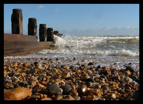 Beach by Patwen