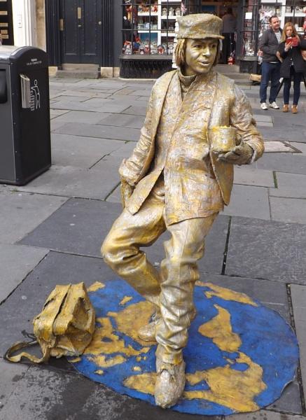 Living Statue by alancharlton