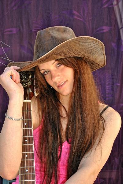 Guitar girl by ggdorrian