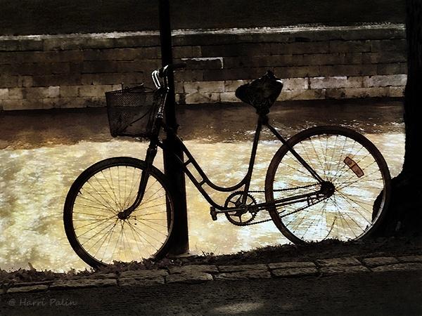 Bike by HPalin