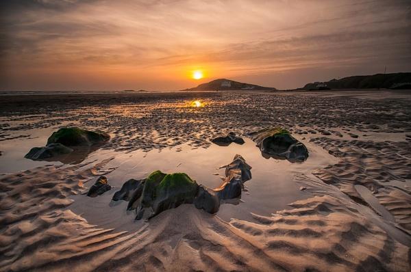 Sunset over Burgh Island by ilocke
